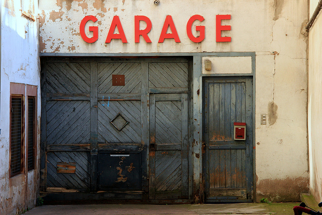 Warning sounds – here_s how you know you need to repair your garage door – TDG